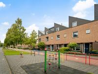Stravinskypad 25 in Oud-Beijerland 3261 WT
