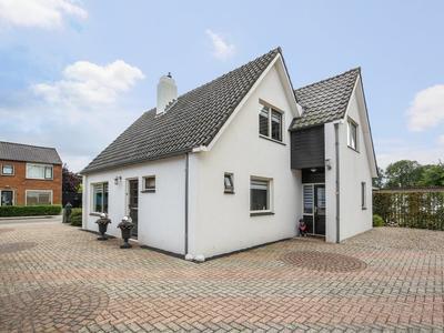 Blauwstraat 2 in Maasbommel 6627 BA