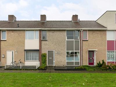 Van Manderlaan 33 in Roosendaal 4707 AL