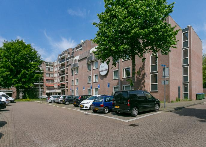 Basiliekplein 1 in Oosterhout 4901 EH