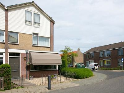 Van Alcmaerlaan 1 in Hoogmade 2355 BA