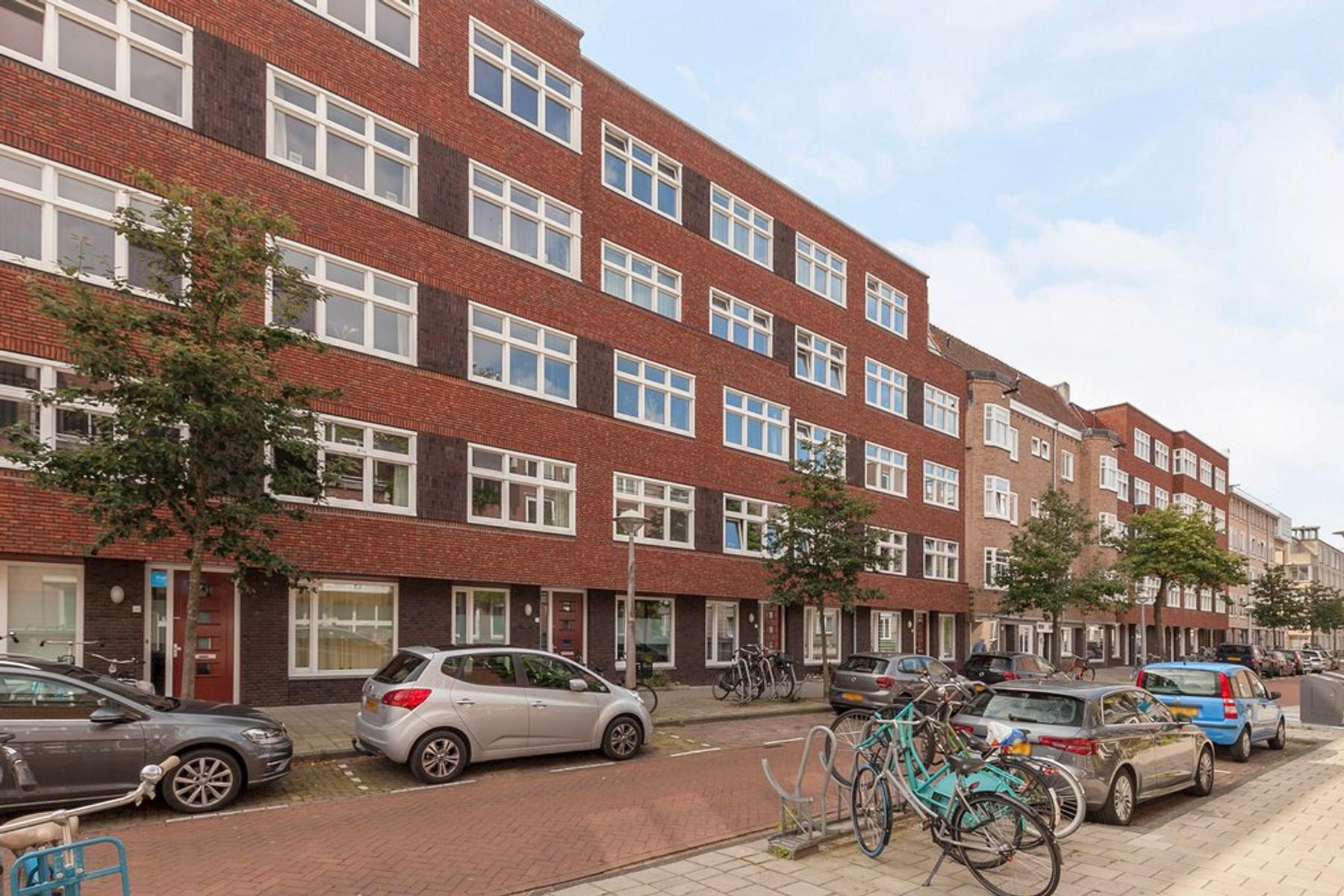 Makassarstraat 124 C in Amsterdam 1095 TE