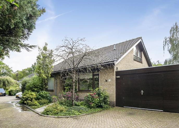 Johannes Poststraat 21 in Oud-Beijerland 3262 VC