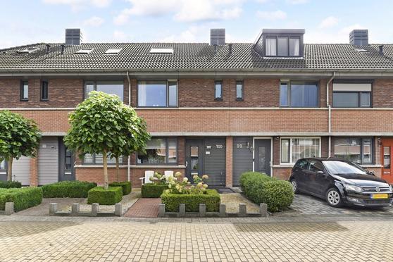 John Raedeckerhof 100 in Hoorn 1628 ZC
