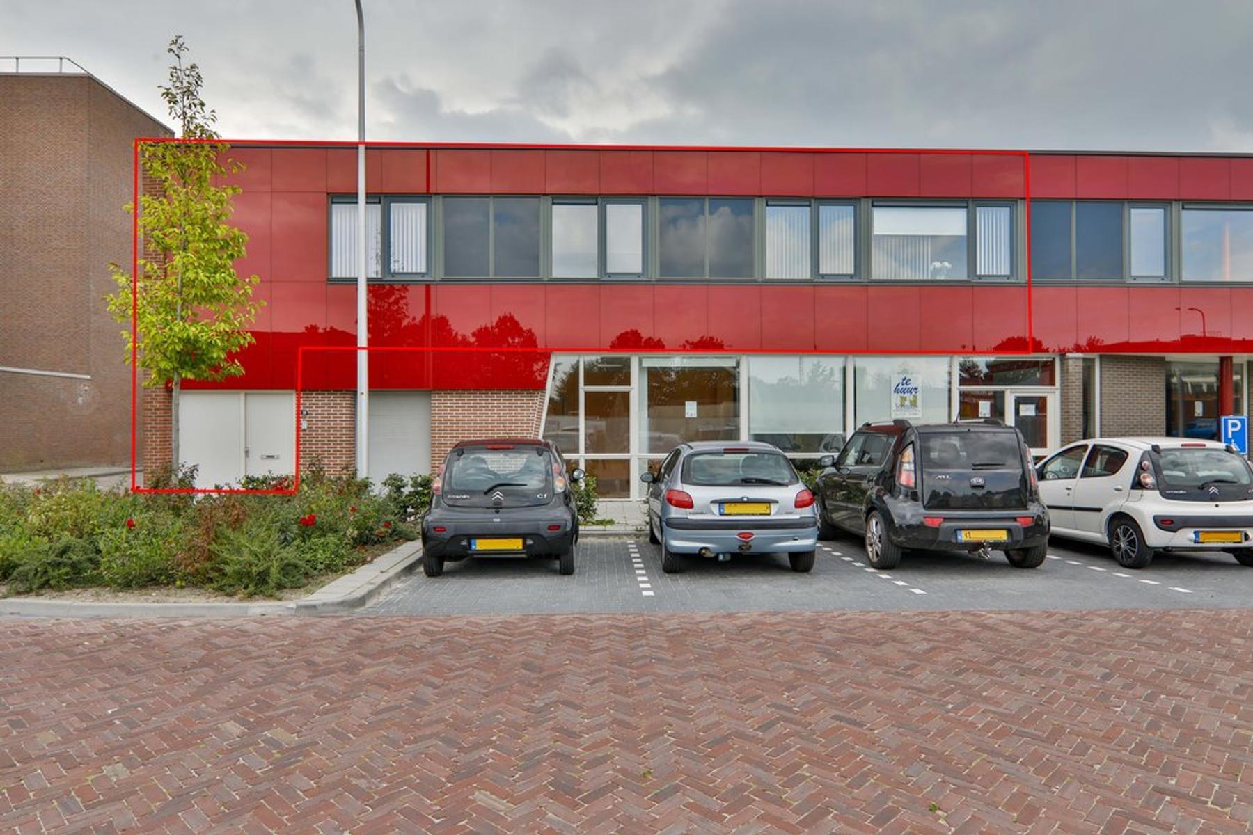 Beukemaplein 10 in Hoogeveen 7906 AK