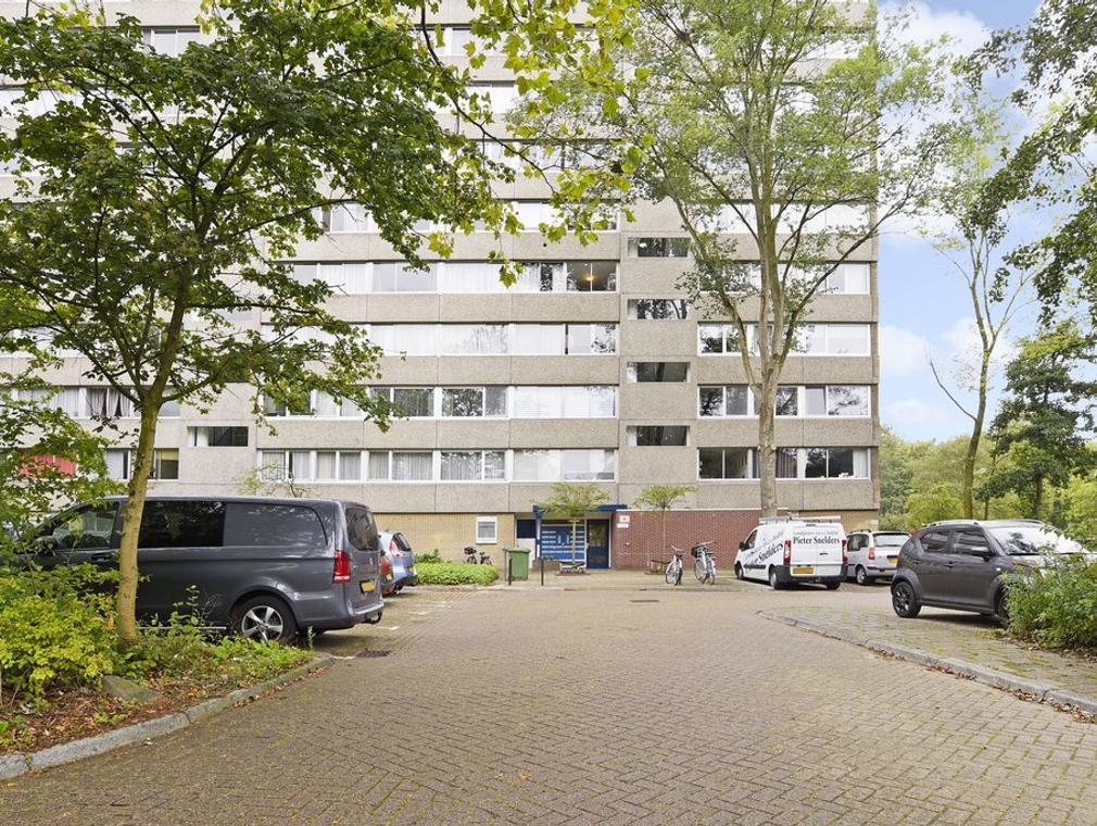 Adama Van Scheltemaplein 8 in Delft 2624 PE