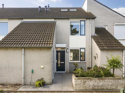 Klaproosberg 4 in Roosendaal 4708 KE
