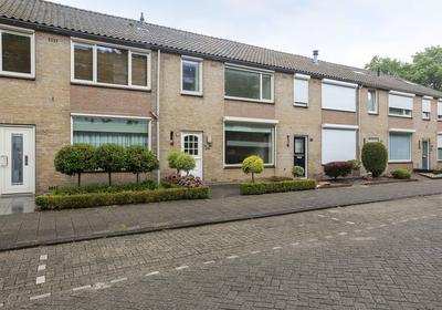 Prof. Nolenslaan 97 in Waalwijk 5142 AG