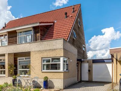 Bloemenhof 4 in Oosterhout 6678 BP