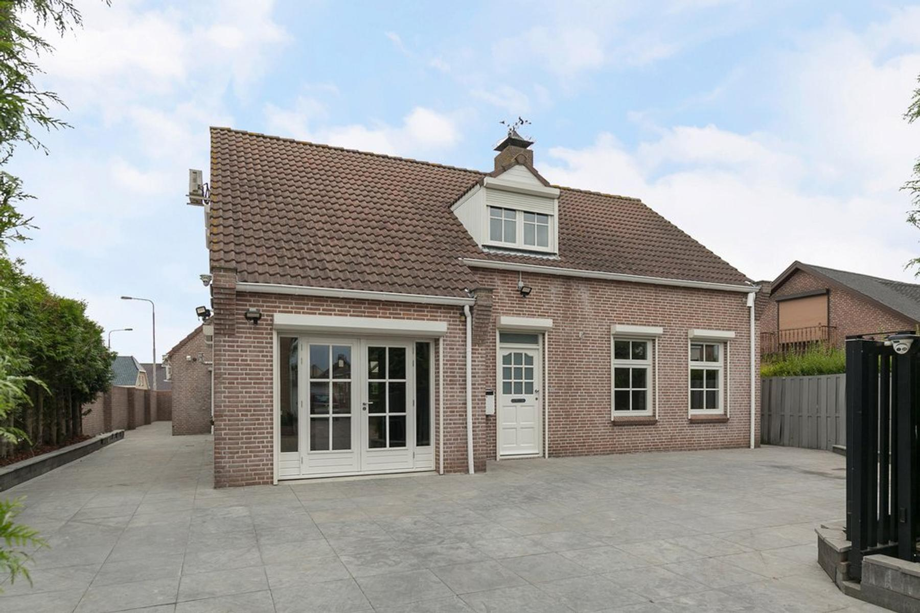 Rugstraat 64 in St. Willebrord 4711 CT