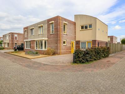 Zonnewoud 11 in Boven-Leeuwen 6657 DG
