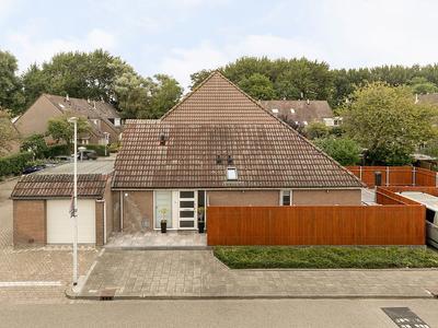 Fellinistrook 28 in Zoetermeer 2726 TB