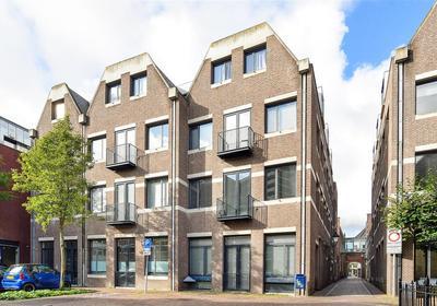 Eerste Straatje Van Best 35 in 'S-Hertogenbosch 5211 XH