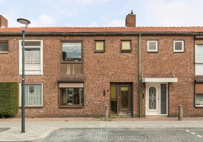 Eikstraat 9 in Bergen Op Zoom 4621 JL