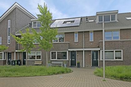 Bruinvis 18 in Naaldwijk 2673 CE
