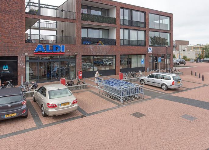 Jol 35 61 in Lelystad 8243 HG