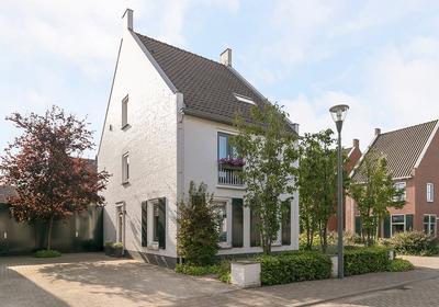 Middelerserf 2 in Helmond 5706 JS