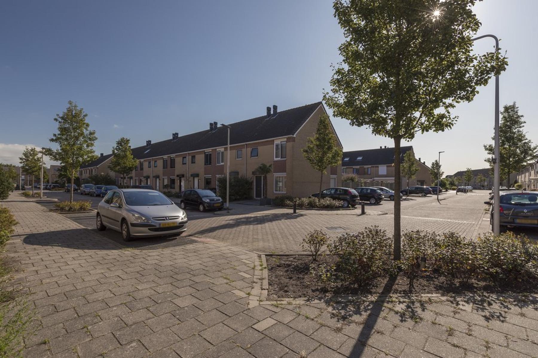Marokkostraat 153 in Alphen Aan Den Rijn 2408 JE