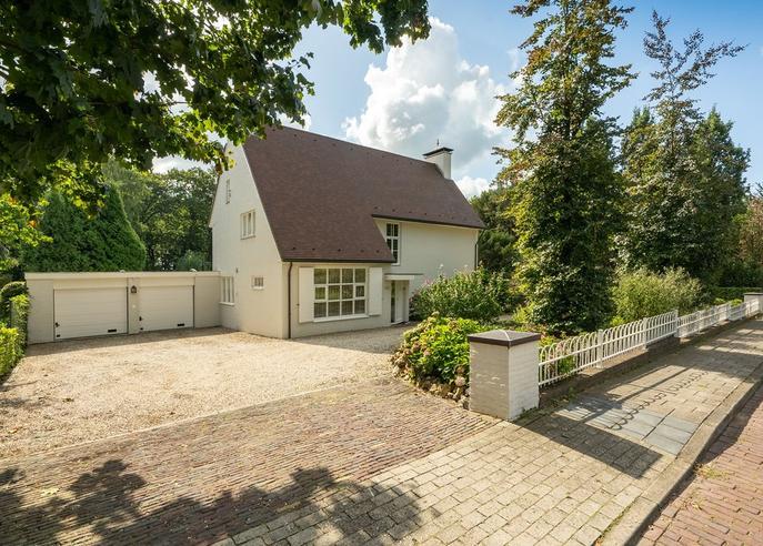 Utrechtseweg 122 in Renkum 6871 DV