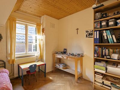 Monseigneur Den Dubbeldenstraat 19 in Asten 5721 AB