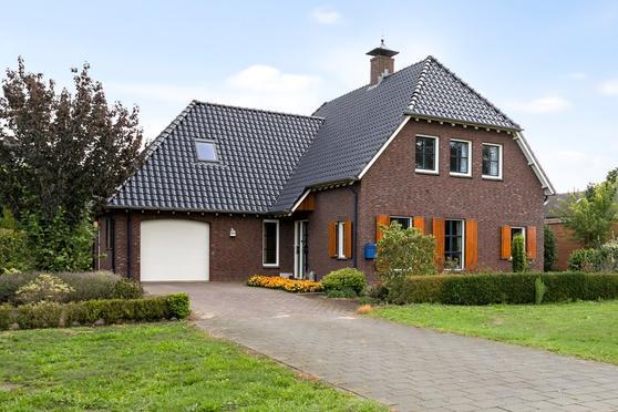Oude Papendijk 11 in Groenlo 7141 LK