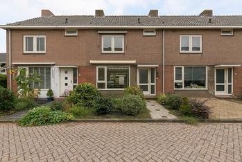 Burgemeesters Van Waningstraat 3 in Ouderkerk Aan Den IJssel 2935 XB