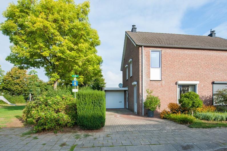 Overbroekerf 41 in Hoensbroek 6433 EZ