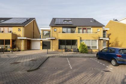 Watermunt 53 in Hendrik-Ido-Ambacht 3344 BG