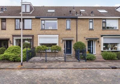 Rode Klaver 5 in Krimpen Aan Den IJssel 2923 GH