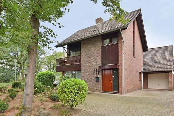 Deltalaan 14 in Papenhoven 6124 AS