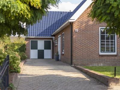 Hoekenburg 10 in Tricht 4196 AD