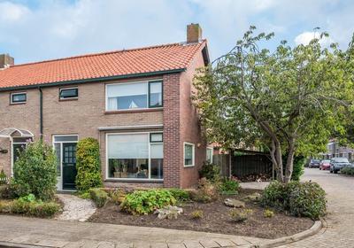 Prinses Irenestraat 2 in Stellendam 3251 XL
