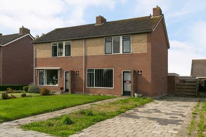 Meester De Vriesstraat 30 in Witmarsum 8748 BV