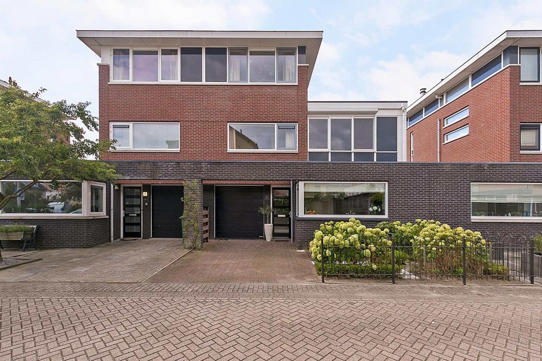 Kaninefatendreef 28 in Alphen Aan Den Rijn 2408 TN