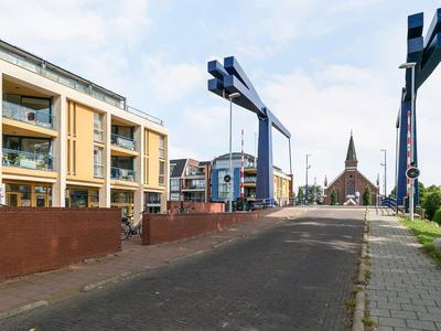 Stationsstraat 1 in Alphen Aan Den Rijn 2405 BL