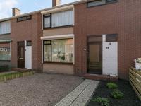 Burgemeester Van Bakkeneslaan 38 in Oude Pekela 9665 GX