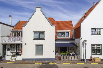 Schelpenplein 10 in Zandvoort 2042 HJ