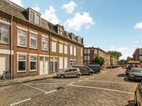 Douzastraat 71 in 'S-Gravenhage 2581 RW