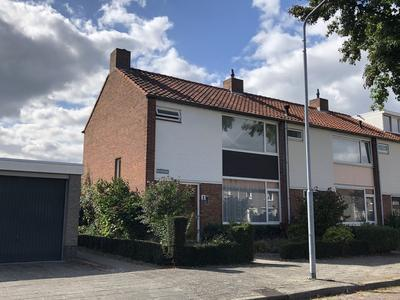 Mgr. Poelsstraat 1 in Valkenswaard 5554 TN
