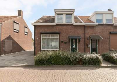 Beatrixstraat 13 in Westdorpe 4554 CK
