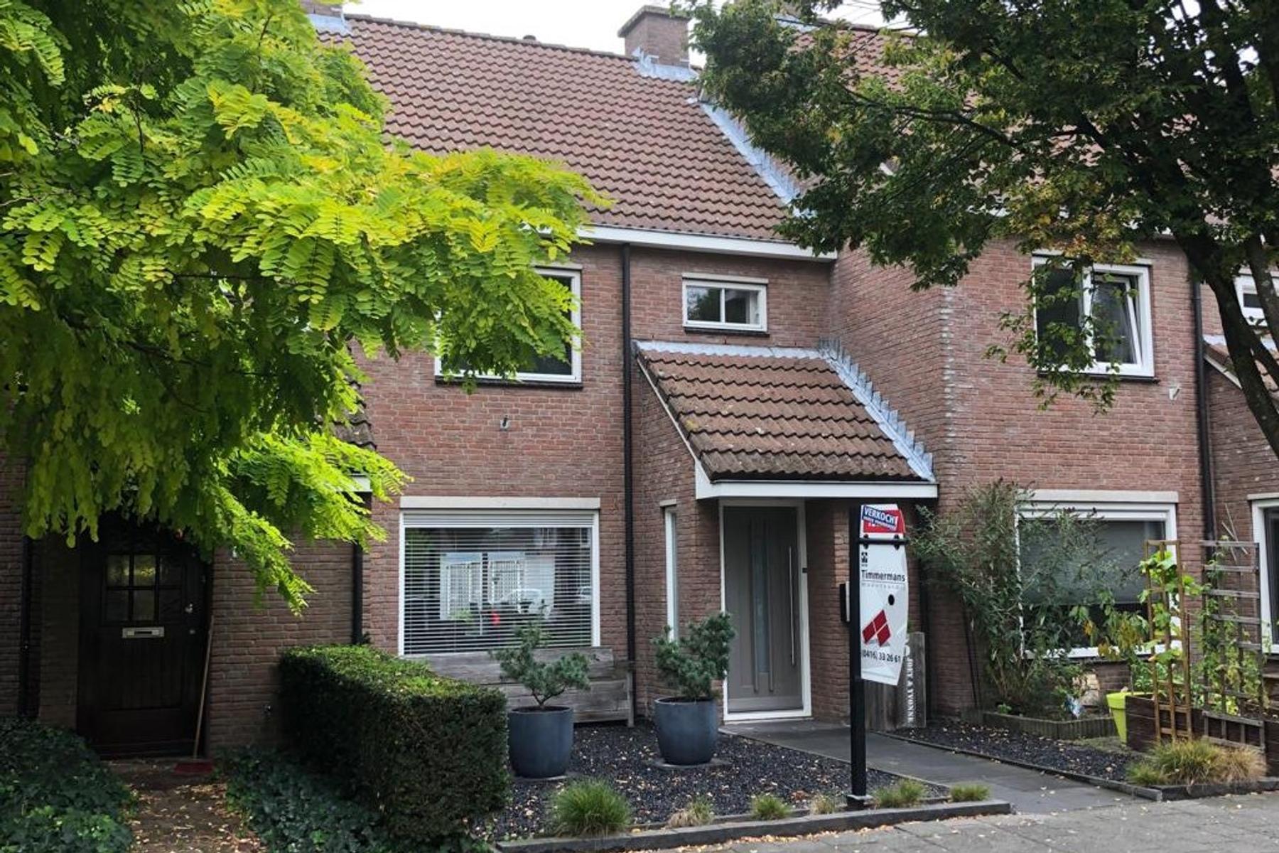 Juweelstraat 5 in Loon Op Zand 5175 TB