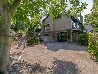 Dijkstraat 28 in Roelofarendsveen 2371 VG