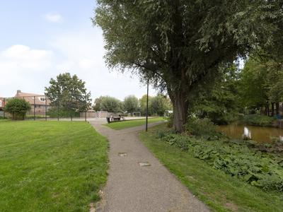 Zuiderbeemd 17 in Oosterhout 4907 EL