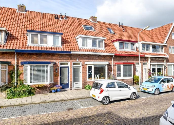 Anemonenstraat 17 in Santpoort-Noord 2071 NP