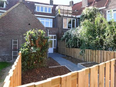 Ruys De Beerenbroucklaan 48 in Heerlen 6411 GC