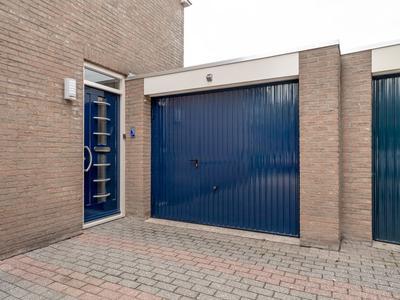 Juffrouw Clewitsstraat 10 in Roden 9302 AH