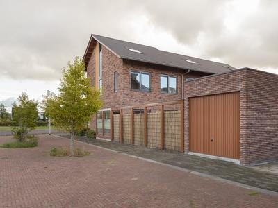 Zwanebloem 77 in Alphen Aan Den Rijn 2408 LT