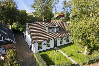 Schoolstraat 7 in Pieterzijl 9844 PE