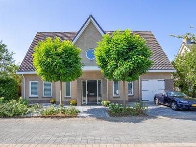Lakenhalstraat 9 in Almere 1335 XJ