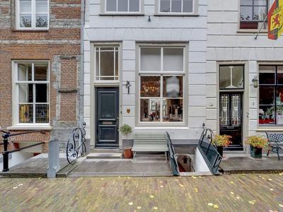 Elfhuizen 6 in Geertruidenberg 4931 AX
